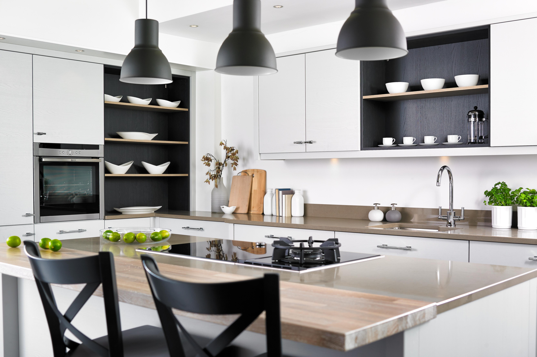 Salcombe painted kitchen range
